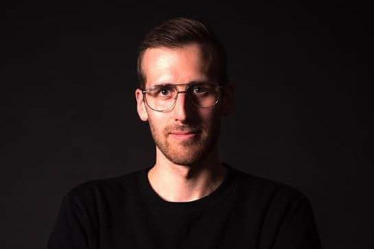 Jaakko Sahimaa mies kuvassa