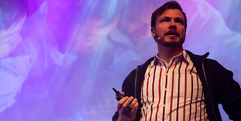 Lauri Järvilehto lavalla