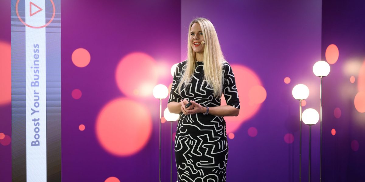 Nelli Såger giving Keynote Speech in MySpeaker Studio